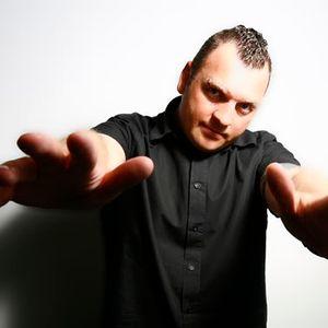 M.I.K.E. - Global DJ Broadcast Guest Mix (02-09-04)