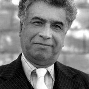 Adib Teherzadeh speaking at the Baha'i House of Worship 1997