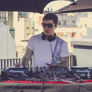 We Must Live Session S04 N2 Feat. Maxi Raffone