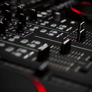 DJ Loopy M Presents : Djing Party