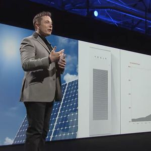 Debating Tesla's Plan To Acquire SolarCity