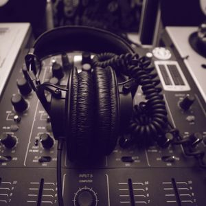 THE RNB LICK SHOW WEEK 10 - DJ MAHESH