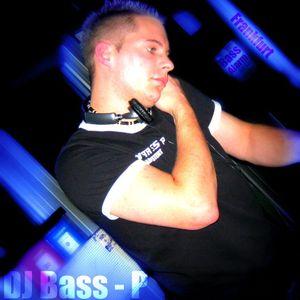 DJ Bass-P - Einfach Glücklich ( Techno set 24.10.2012 )