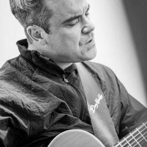 Robbie Williams Live From Stuttgart 11/08/13