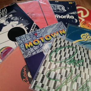 Lorraine King plays boogie and 80s classic soul on vinyl-only on Colourful Radio (February 13, 2021)