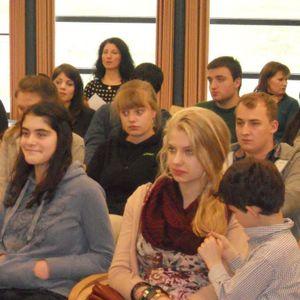 VRT - Bijeenkomst Orthodoxe Jongeren België met als thema de 'dialoog'