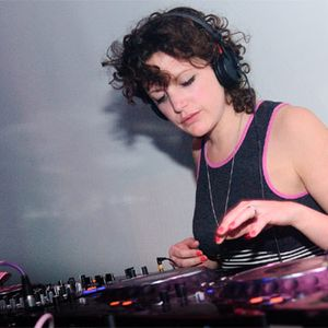 Annie Mac - BBC Radio1 (06-29-2012)