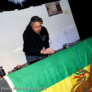P Dee - presents - The DJ KELLA Guest Mix - Tuesday Night Sessions - EFM Radio 23rd August 2K16....