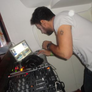 minimal tech-house vibes 2012 vol1 djmike