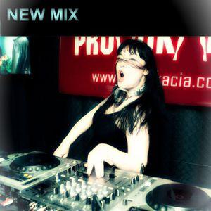 DJ NitroLisa - HybridJackers (house mix)