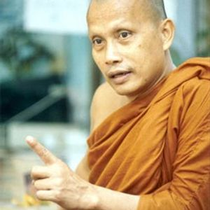 รายการคุยข่าวเล่าเรื่อง ช่วงสนทนาธรรม กับพระพยอม เช้าวันพุธที่ 14 กันยายน 2554