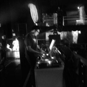Carlos Pashe @ Bleu Club Warm Up DubFire & Carlo Lio 13/05/2011