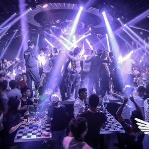 Tặng toàn thể team của tất cả anh chị em đi bar >< Huy Xoăn Idol