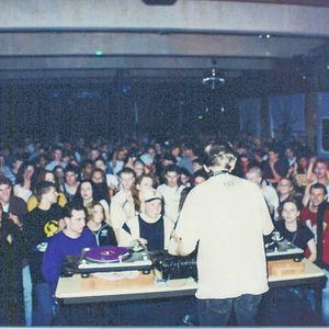 DJ RIF? MASTER! Live Vinyl Set At The Anchoridge Club 1997