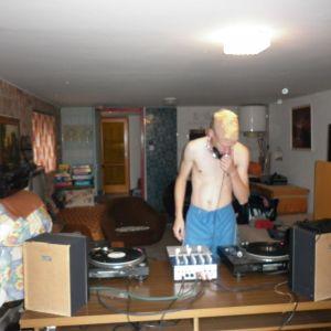 Dj Noizemaker - Livin' the hard life - 2012. August