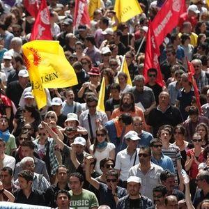 Η Σκόνη του Χρόνου της 07.06.13 στον Amagi Radio για τις ταραχές στην Τουρκία.