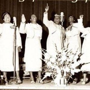 Coros: Cantos Africanos para cazar elefantes, Santería, Avant-Garde, Ukrania, Misticismo, Gospel...