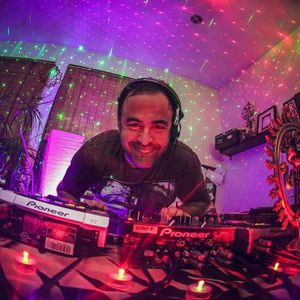 DJ RIKAM - VISION OF TRANCE 076  (Radio mix)