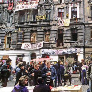Frequenzkonsum #15 - Historisches und Politisches online: Mainzerstrasse.berlin & #FrauengegenHofer