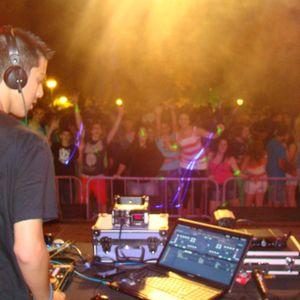 Dj Quim Martínez in Special Summer Remixes 2012 (18-8-12)