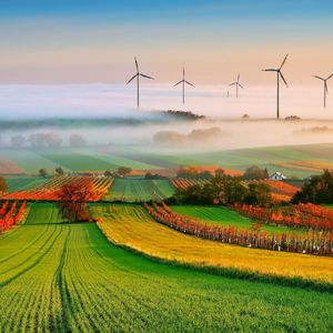 1/17/17 Show feat. Mark Miller on wind turbines and scaled fluid dynamics + Lian Zhu on curiosity