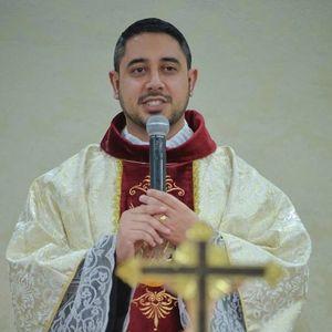 Homilia Pe Fábio Camargos na missa do primeiro dia da Semana Bíblica