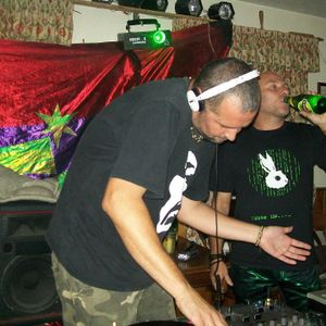 SHAUN + ED & WARREN @ The Share & Coulter,Hernebay.new years day.2012.rec.2.