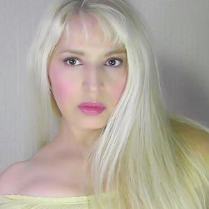 """GUADALUPE DIVINA PRESENTA """"NOCHE DE POESIA"""" EN DIVINA RADIO LA VOZ DEL ANGEL MARTES 18 FEBRERO 2013"""