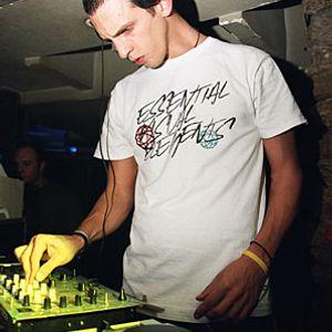 Raresh & Rhadoo, B.Green & Redmond, Cole - Live @ Club King - Livorno - Italy (24-07-2010)