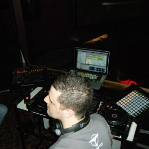 Chris Bell_DJ - Essential House June 2012