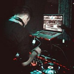 LISTEN MIXTAPE BREAKBEAT ON AIR REBORN VOL 1 2016 BY[DJ YUDHISTIRA SANRA]