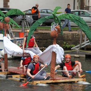 12h de l'Etudiant à Epinal en live : course de radeaux, mölky, babyfoot-humain