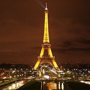 Bajo el cielo de París - La sangre tira....