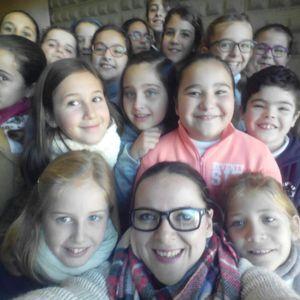 Visita de los alumnos del CEIP San Roque por Navidad a Cadena Dial Europa 99.0.