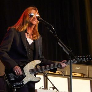 Blue Collar Bassist RICKY PHILLIPS At Home With STYX