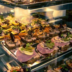Dānija: iepirkšanās paradumu maiņa, pārtika bez iepakojuma un smaids ikdienā