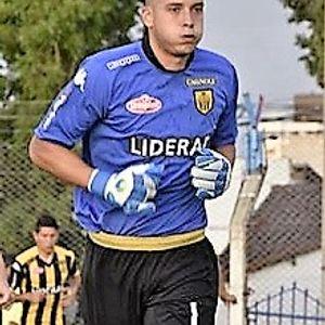 Deportivo 1180 (12-04-18): Joaquín Papaleo, crece en el arco de Santamarina.