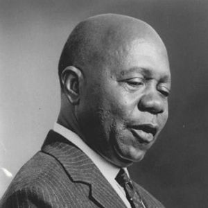 Rendez-vous avec X Léon M'Ba président du Gabon