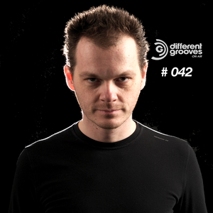Different Grooves On Air #042 - Tomy Declerque