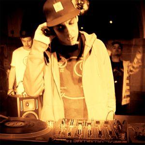 madhou5e - Dj Janda feat. MC Ruff Tuff & MC Johnny Action - livemix - 13.04.2012