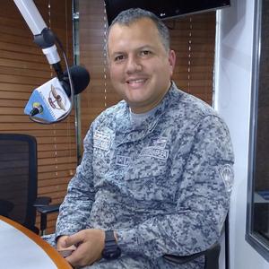 El Teniente Coronel Alexander Hernández hablando del día mundial para la prevención del suicidio
