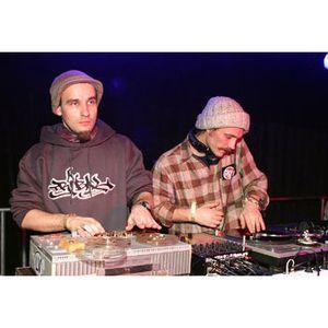 Mixmasters AG & Raitis - Deep Groovin (2000)