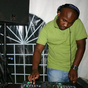 Bongani Shembe aka Dj UzzSoul (Chivas Regal Sunday Movement Mix)