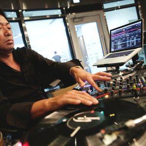 R2 RADIO FLASHBACK WITH DJ HONDA