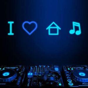 Essential House Mix No.15 2017