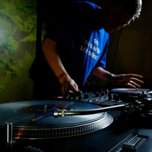 DJ Lee - August 2012