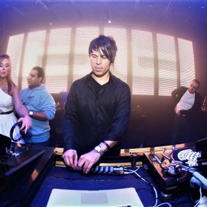 BT – Live @ Glow Club (Washington) – 17-04-2017