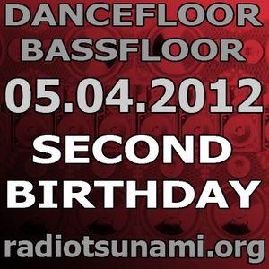 Dancefloor bassfloor 05.04.2012 www.radiotsunami.org gae fnkbstrd aka dasupadeepa