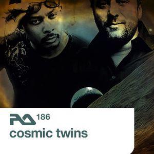 Cosmic Twins Live @ ageHa, Tokyo 11-07-2009 RA186
