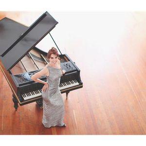 Laura Sullivan - 900 Voices - We Are Love